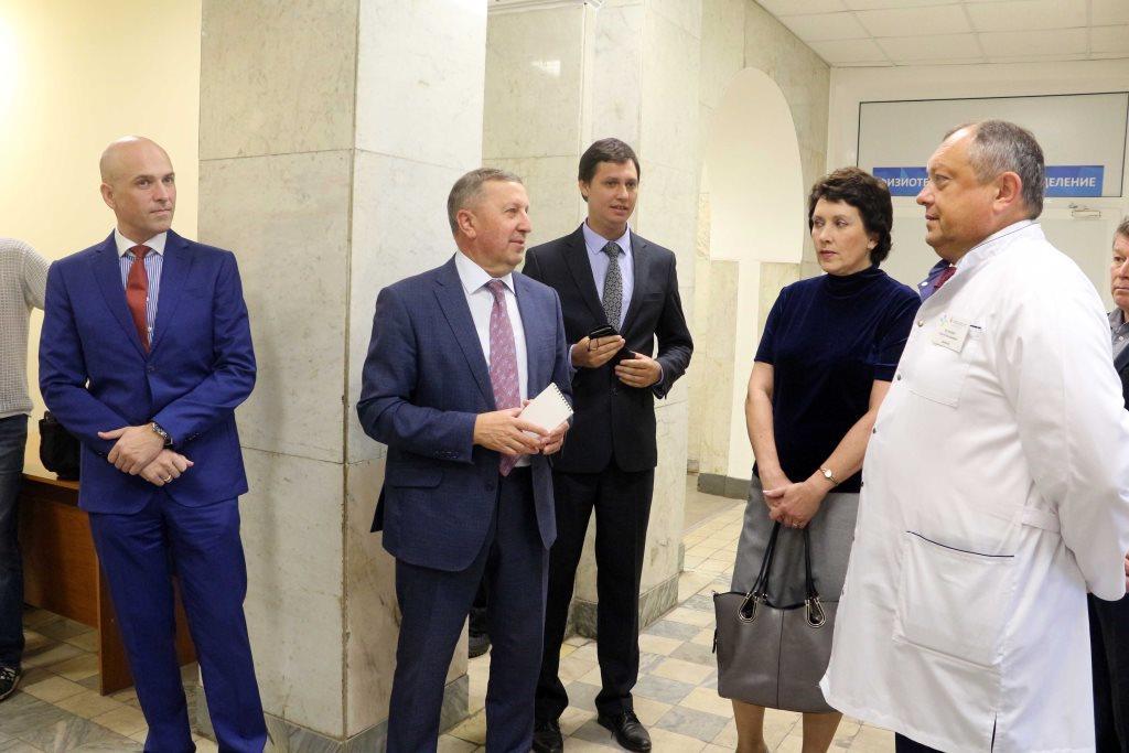 Представители общественных организаций проверили подготовку к переезду поликлиники №1