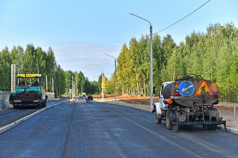Строительство дороги у строящегося здания МВД идет с опережением графика