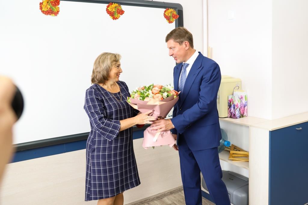 Дмитрий Степаненко поздравил с Днем знаний учеников ярославской школы №49