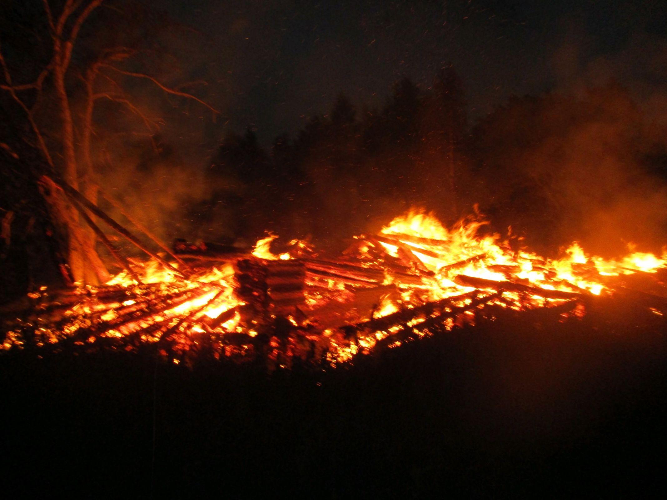 В Ярославской области пожар тушили пять часов: пострадал мужчина