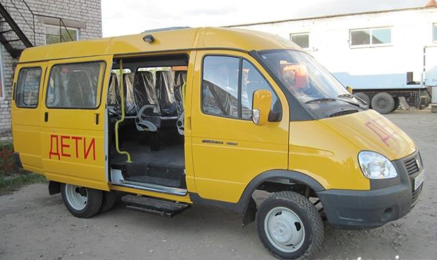 Дмитрий Миронов: регион получит 25 новых школьных автобусов и 16 машин скорой помощи