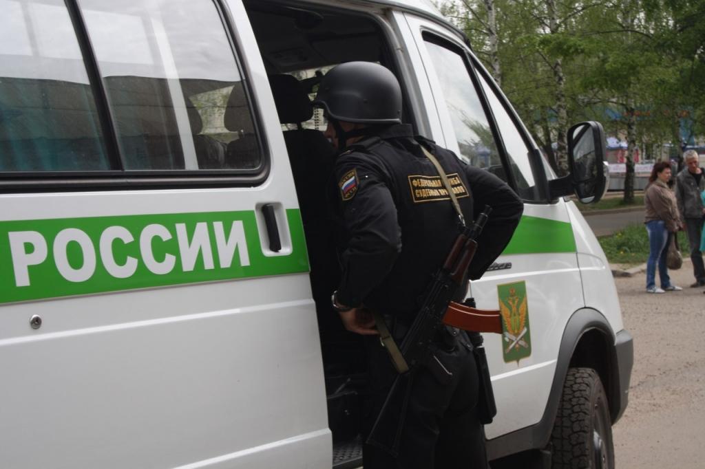 Ярославца арестовали на 10 суток за долг в полмиллиона перед сыном