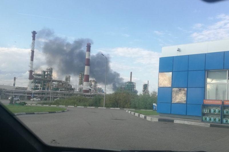 В Ярославле недалеко от НПЗ взорвался бензовоз