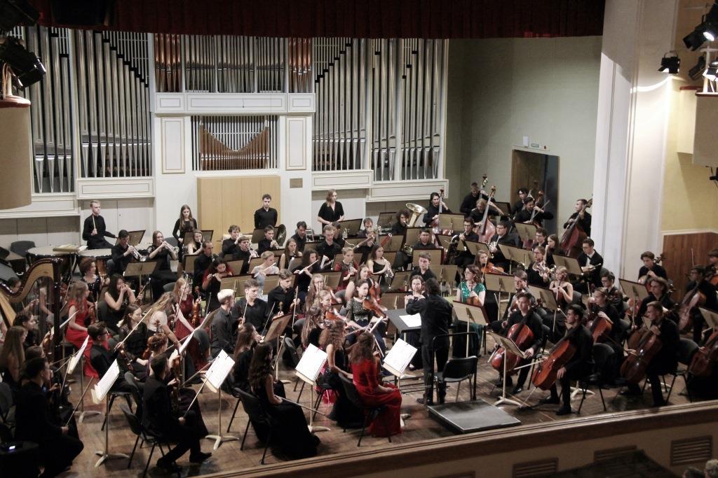 В Ярославле выступил Всероссийский юношеский симфонический оркестр под управлением Юрия Башмета