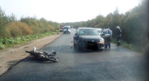 В Ярославской области женщина на иномарке сбила мотоциклиста: мужчина госпитализирован