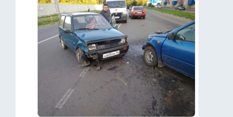Две женщины на российских легковушках столкнулись в Рыбинске: обе пострадали