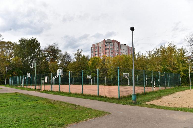 В Ярославле началась подготовка к строительству нового корта у школы имени Ивана Ткаченко