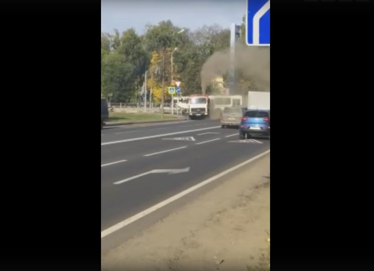 За Волгой отстранили подрядчика по уборке: в мэрии Ярославля отреагировали на видео в соцсетях