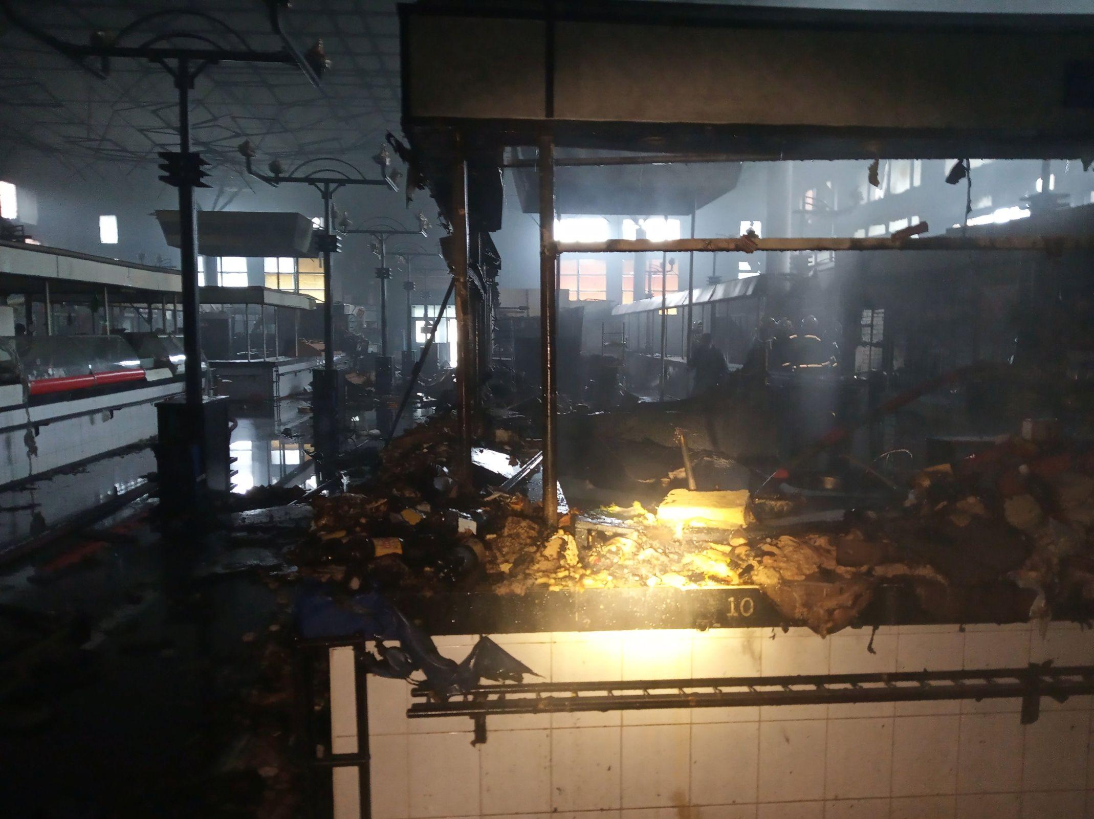 Пострадавшим от пожара на Дзержинском рынке предпринимателям предложат новые торговые места