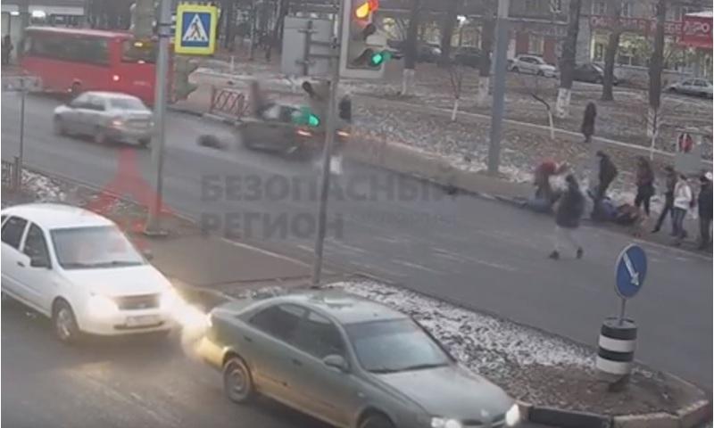 Водитель внедорожника, сбивший под наркотиками девушек в Ярославле, отправился в колонию