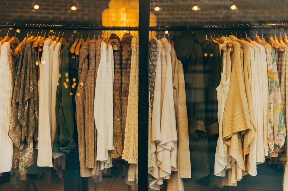 Ярославцам рассказали, куда деть надоевшую одежду: адреса