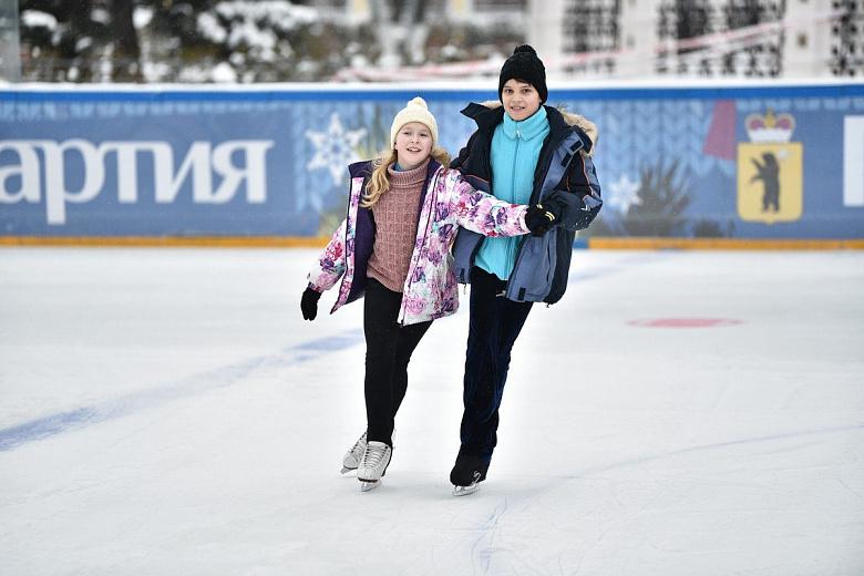 Сани – летом, а украшения – осенью: в Ярославле начали готовиться к Новому году