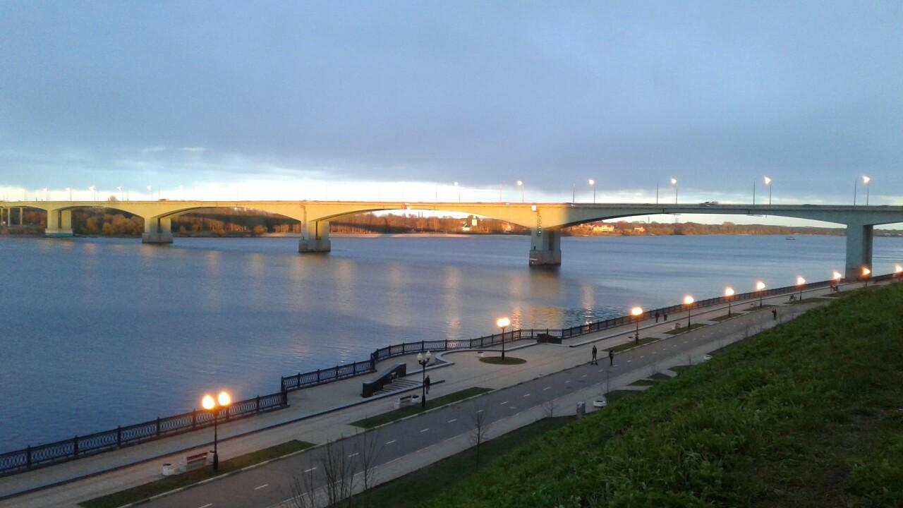 Власти Ярославля подарят Октябрьскому мосту к Дню города огни