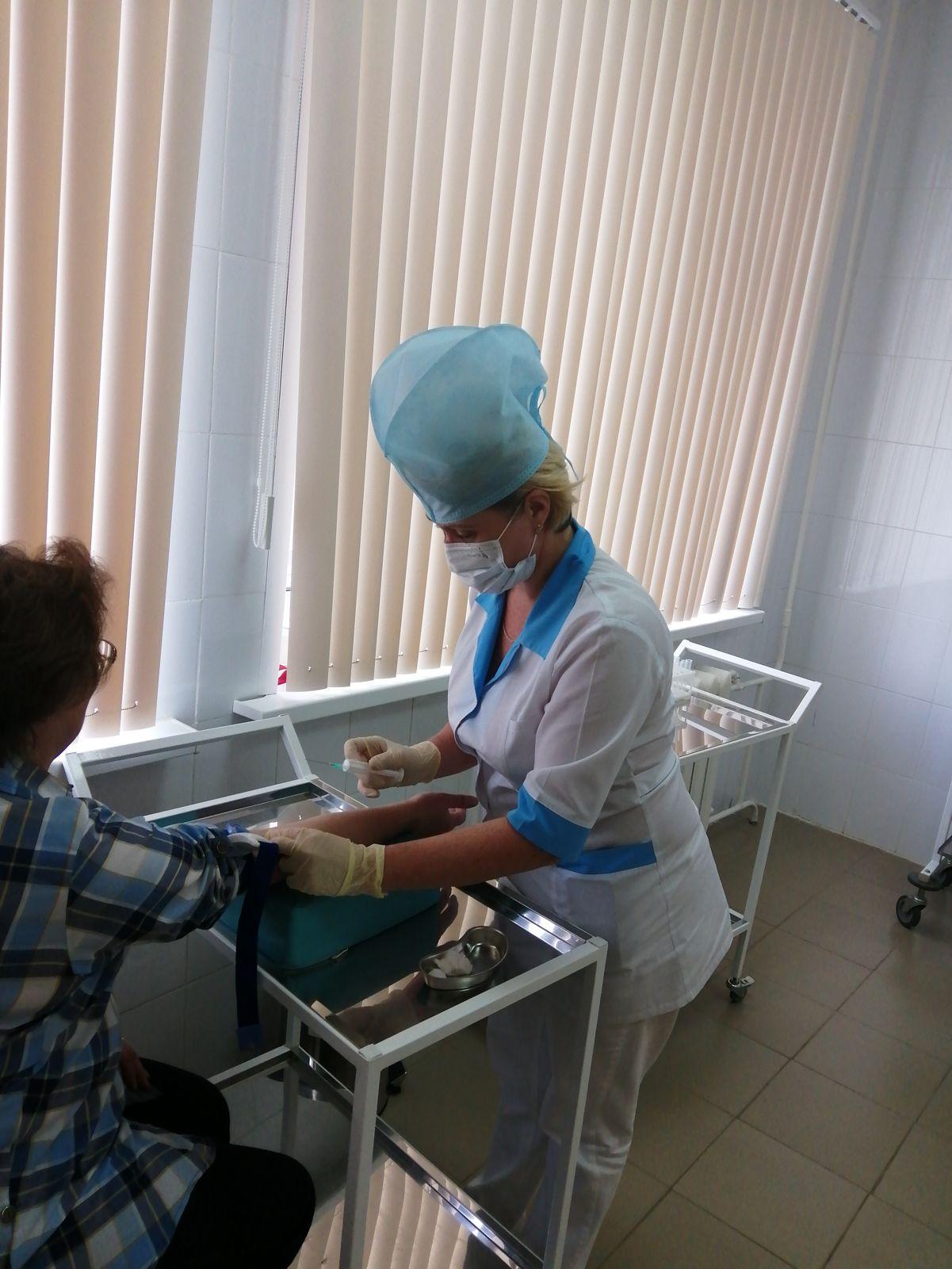 Более 2 тысяч сельских жителей старше 65 лет бесплатно доставили в больницы для прохождения диспансеризации
