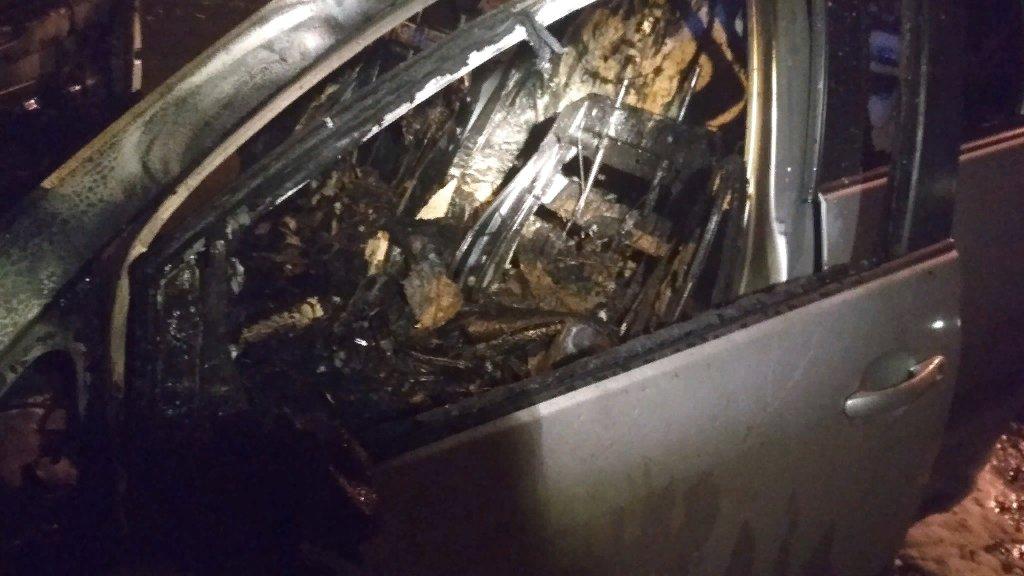 Ночью на дороге в Ярославле полыхало пламя из-за ДТП с участием четырех иномарок