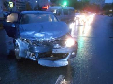 В Рыбинске пострадали водители столкнувшихся иномарок
