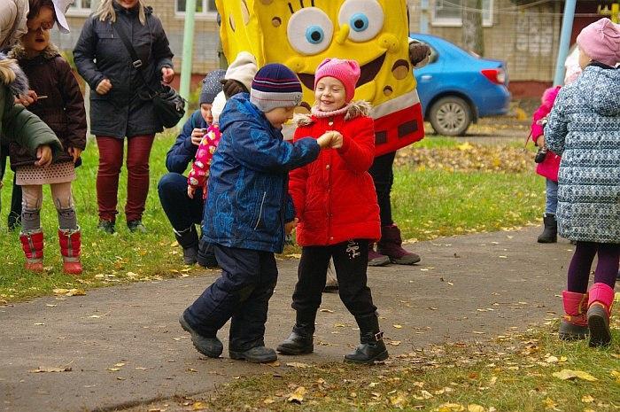 В выходные в ярославских дворах отпраздновали завершение работ по проекту «Решаем вместе!»