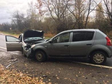 В Ярославской области при столкновении двух иномарок пострадали три женщины