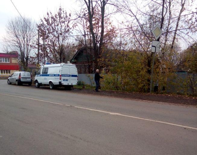 В канаве на Перекопе в Ярославле нашли труп мужчины