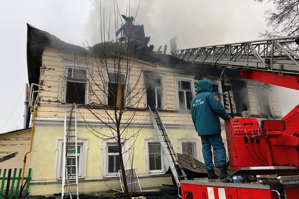 Пострадавшим в крупном пожаре в Ростове окажут материальную помощь