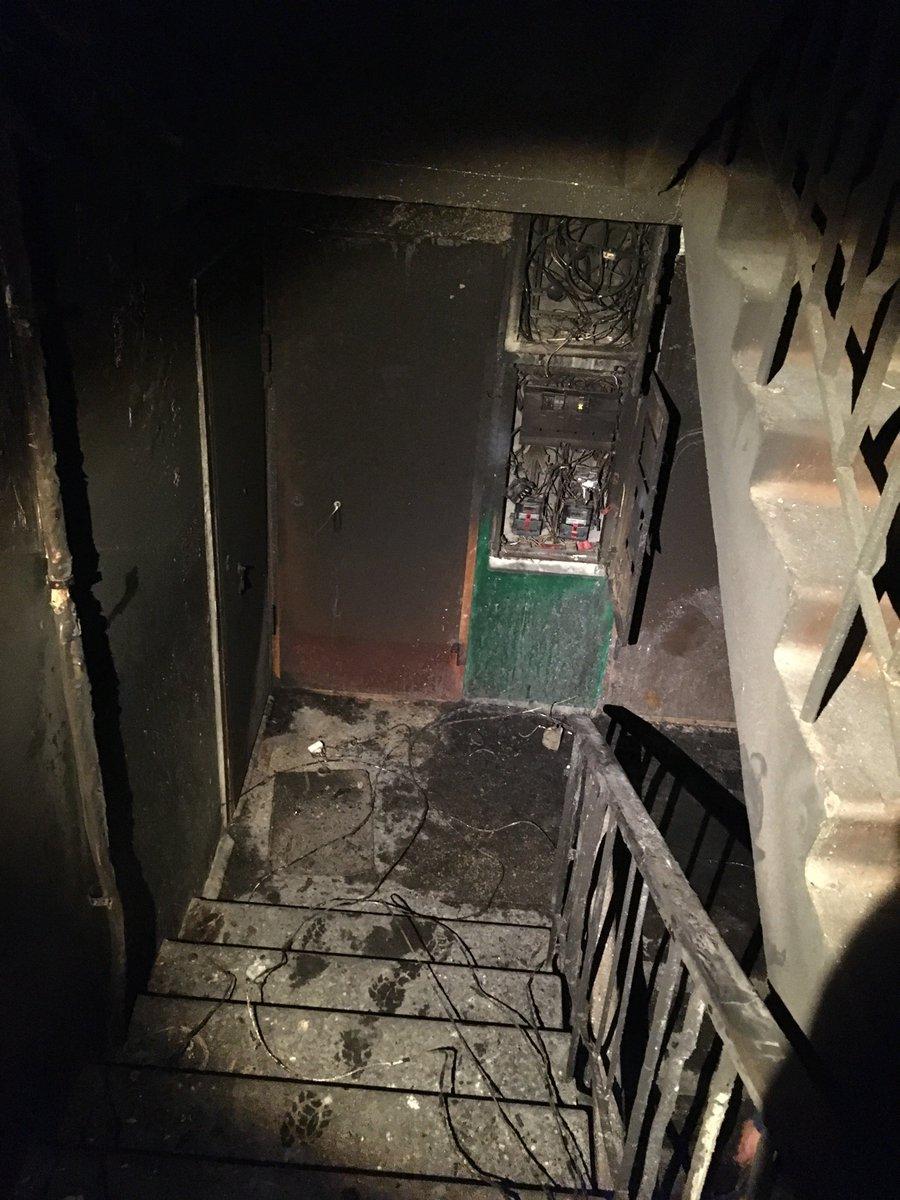 В спальном районе Ярославля ночью вспыхнул пожар: предполагают поджог