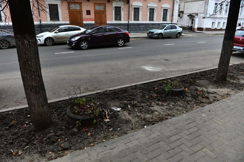В Ярославле за неделю до сдачи улицы Республиканской мэр провел проверку: какие недостатки нашел