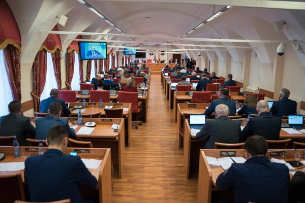 В Ярославской области увеличится ежемесячная выплата семьям с тремя и более детьми