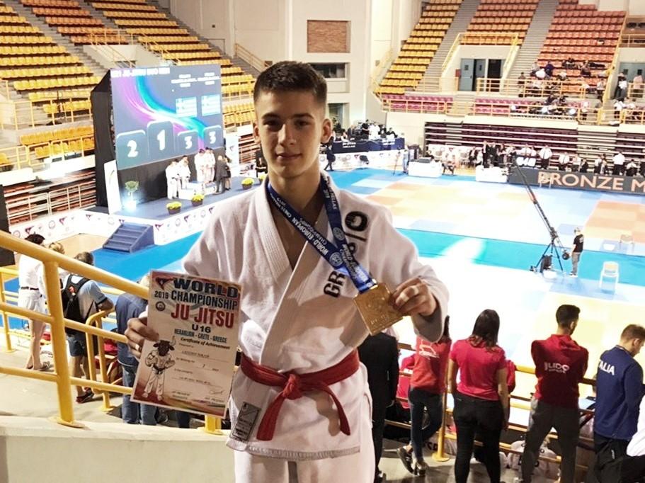 Угличский спортсмен завоевал серебро чемпионата мира по джиу-джитсу