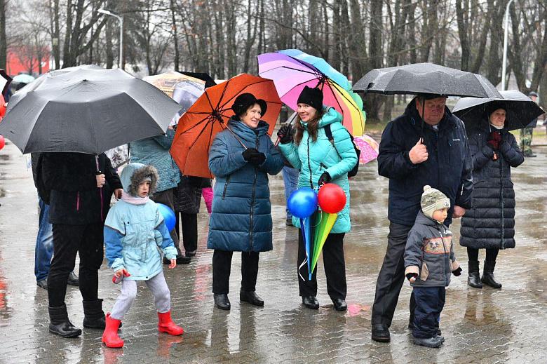 В парке 30-летия Победы в Ярославле отметили окончание работ