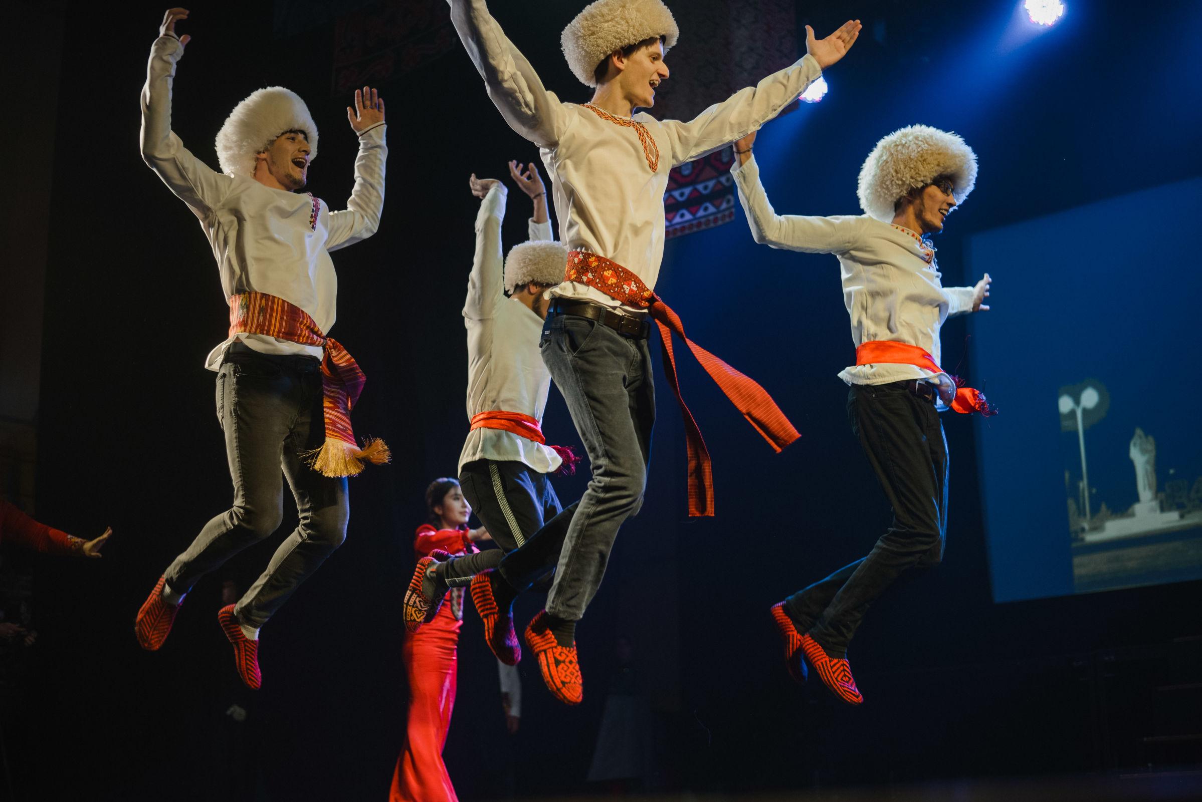 Представители 14 национальностей стали участниками фестиваля творчества молодежи «Единство разнообразия»