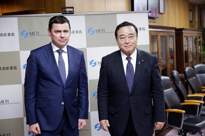 Дмитрий Миронов встретился с министром экономики, торговли и промышленности Японии