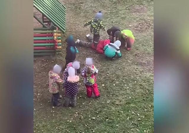 Жестокость или игра? Ярославские психологи прокомментировали избиение девочки в детсаду