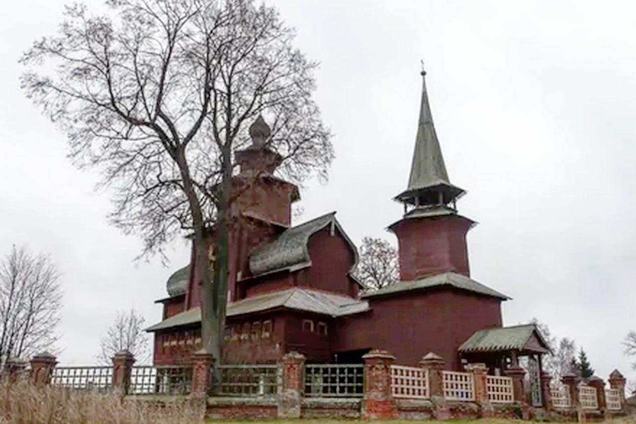 После сообщений в соцсетях церковь в Ярославской области избавят от нежелательного соседства