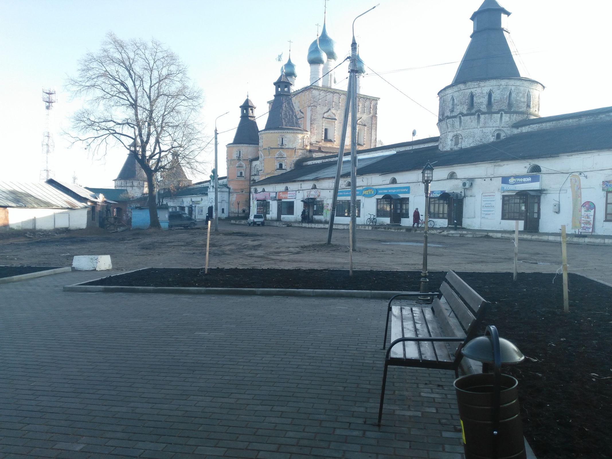 В поселке Борисоглебском в рамках губернаторского проекта «Решаем вместе!» создали уютный сквер