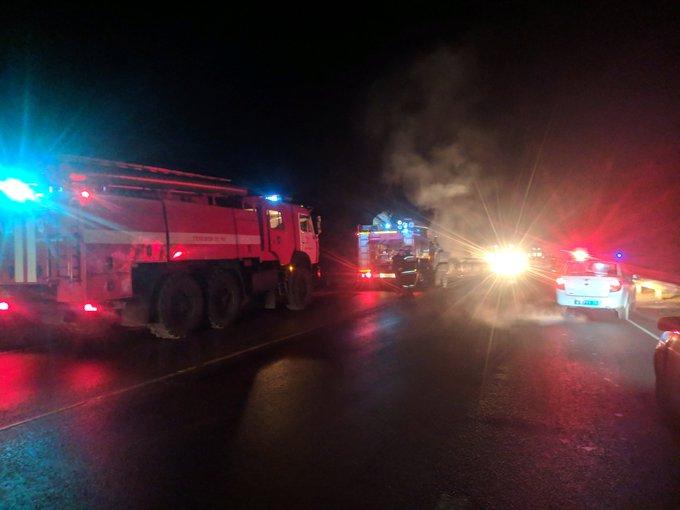 Две машины в Ярославской области вспыхнули после столкновения: погиб мужчина