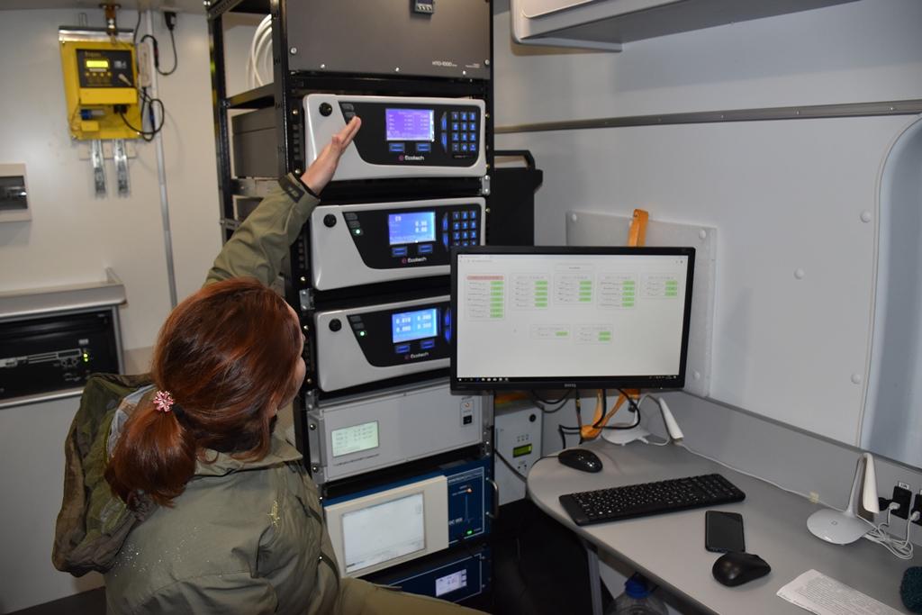 Мобильная экоаналитическая лаборатория начала мониторинг состояния воздуха в Ярославской области