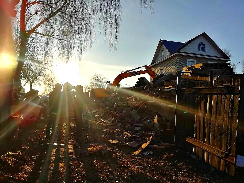 Ярославец построил свой дом на участке соседа: видео