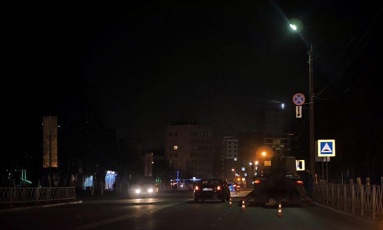 Власти Ярославля отреагировали на сообщения в соцсетях и проверили освещение в двух районах города