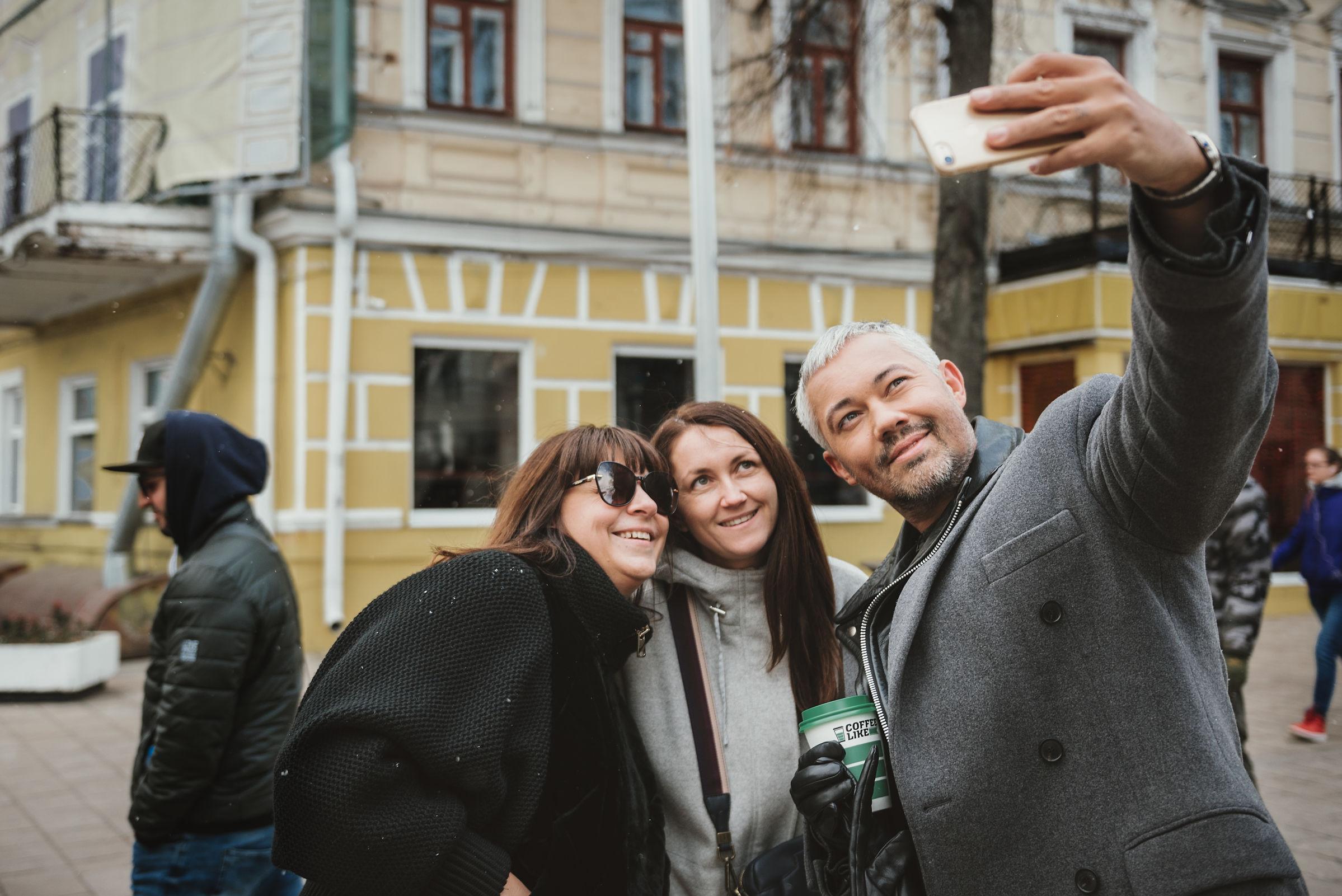 Известный стилист Александр Рогов публично сменит имидж ярославского железнодорожника