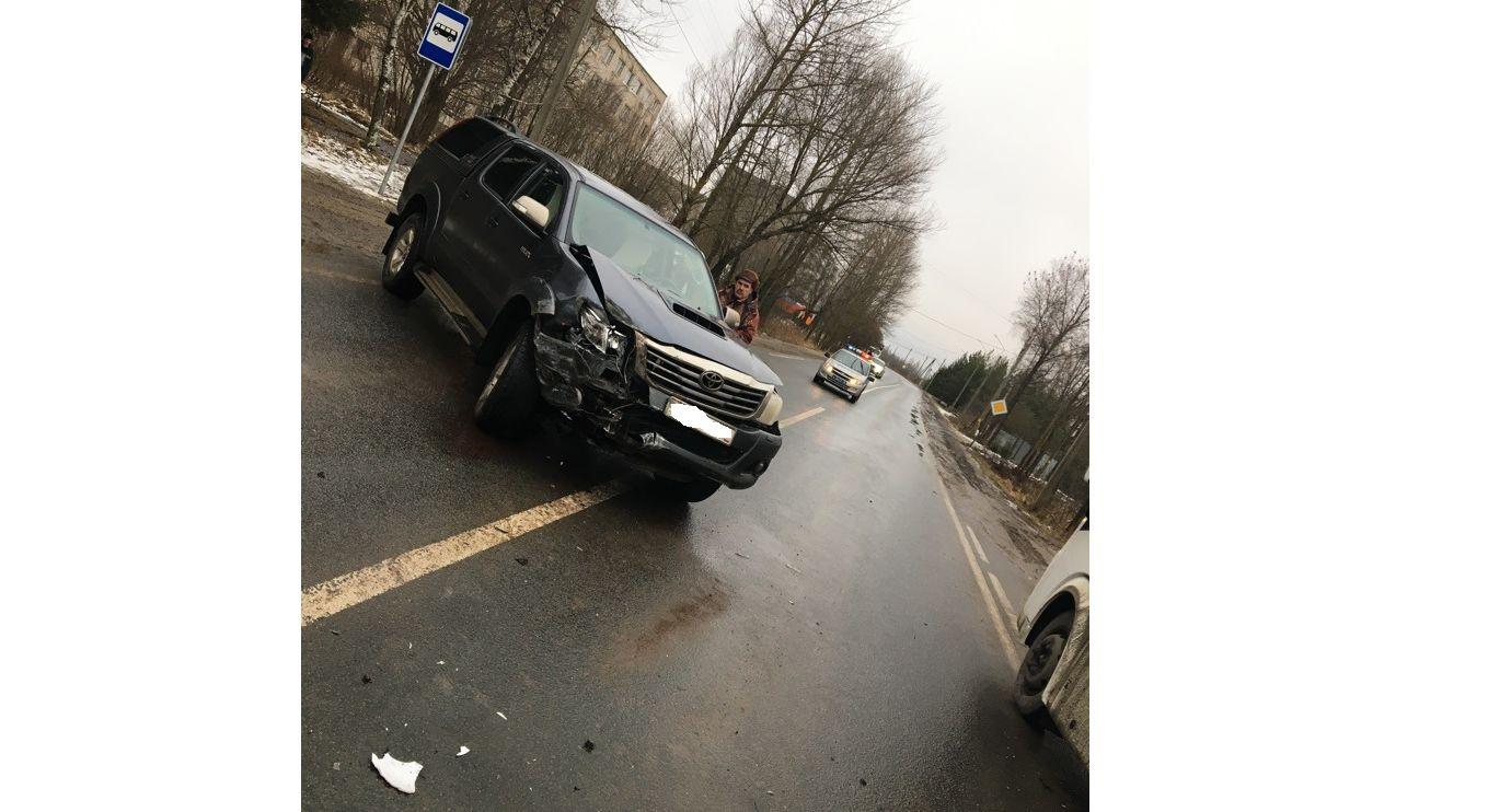 В Рыбинске в ДТП с автобусом пострадал школьник