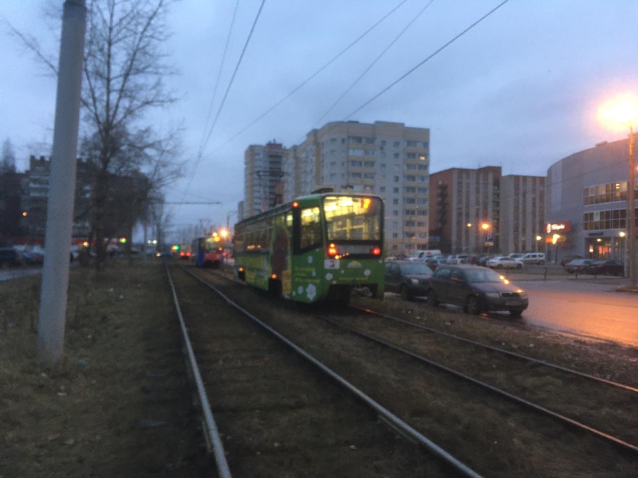 В Ярославле трамвай сошел с рельсов: движение приостановлено