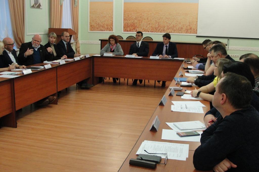 Ярославским аграриям предлагают производить энергию из навоза