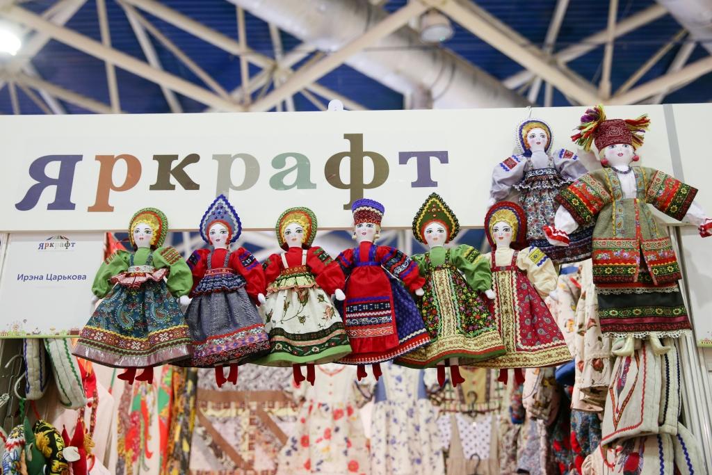 Новогодние работы ярославских мастеров представлены на всероссийской выставке-ярмарке в Москве