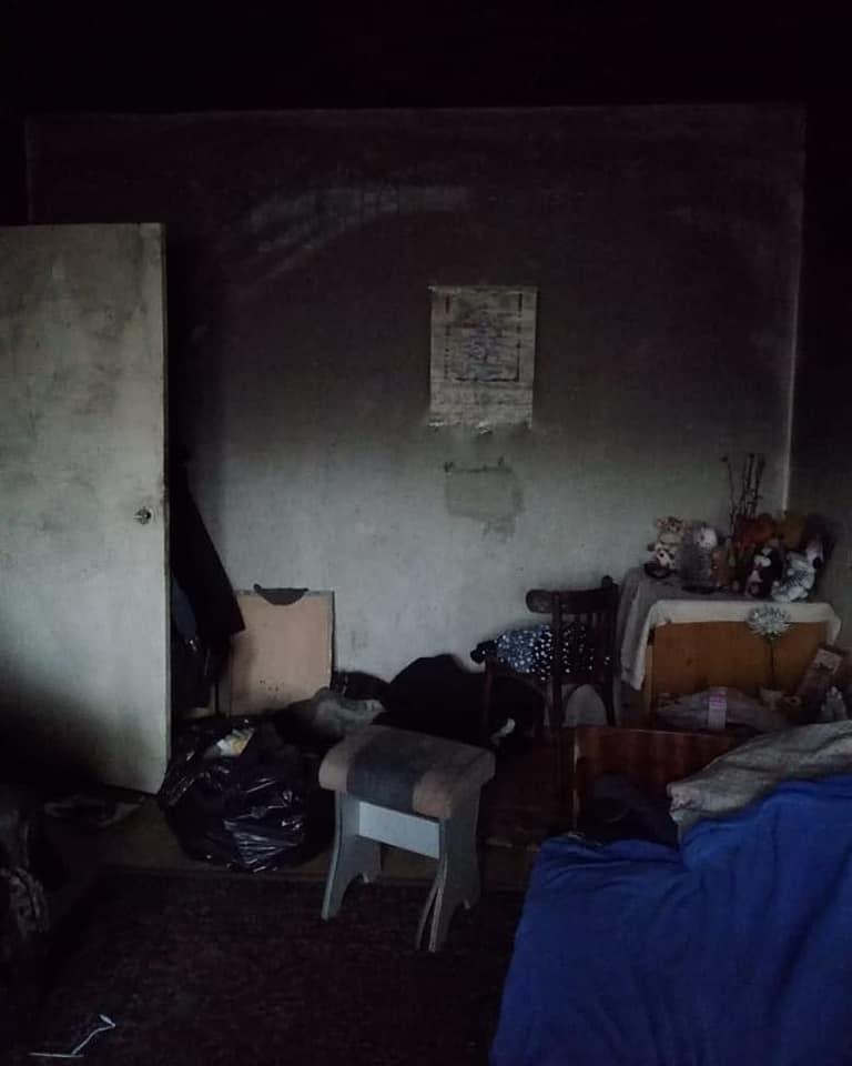 В Ярославле из квартиры могут выселить жильцов, превративших свой дом в помойку