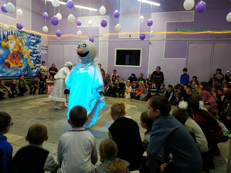 Губернаторские елки в Ярославской области в этом году посетят более 2000 детей