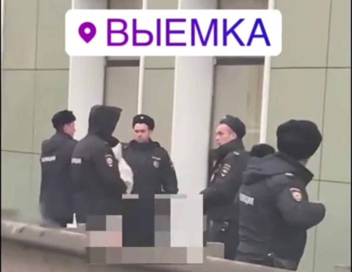 Обнаженная дама в Ярославле привлекла внимание отряда ППС