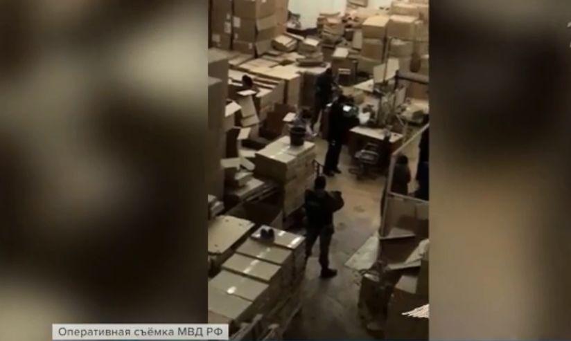 В Ярославской области обнаружили подпольный цех по производству сигарет