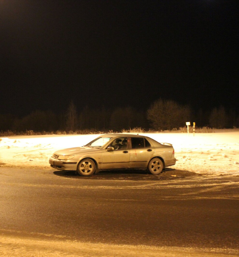 Согласился подвезти: в Ярославской области попутчики-наркоманы набросились с ножом на водителя