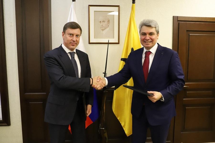 Глава правительства обсудил с руководством Сбербанка реализацию в регионе совместных социальных проектов