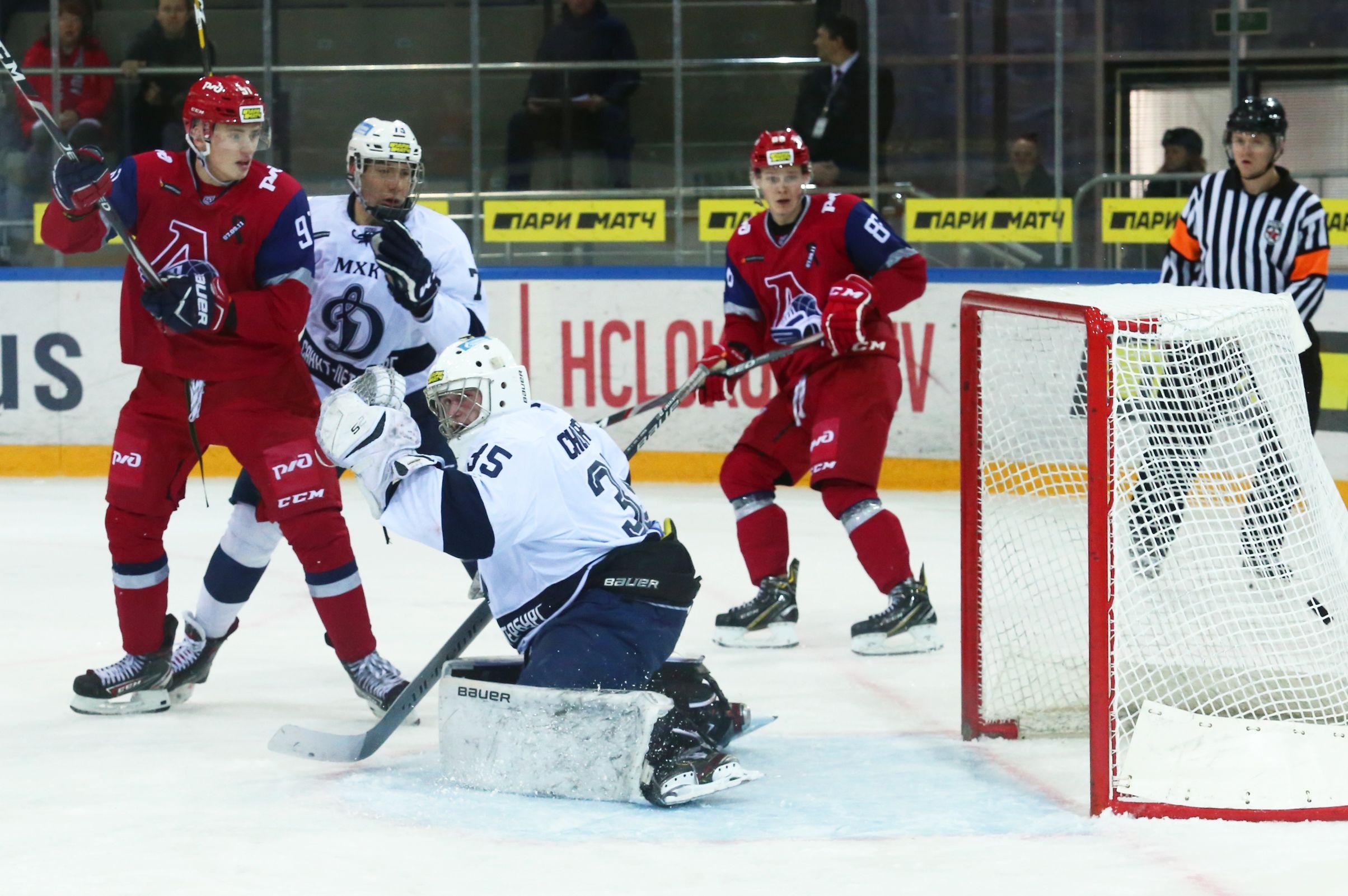 «Локо» забросил четыре шайбы в ворота «Динамо», но уступил